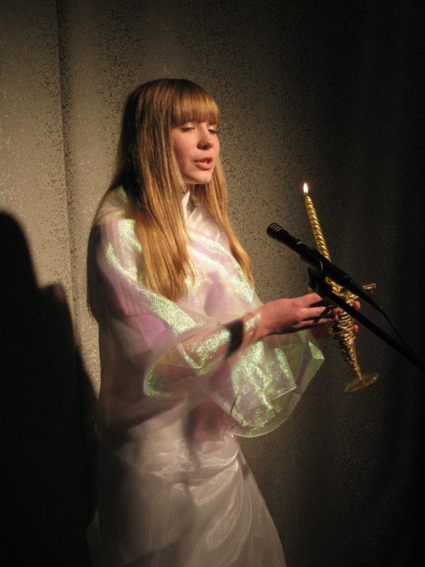 Анастасия Поддубная в роли Свечи