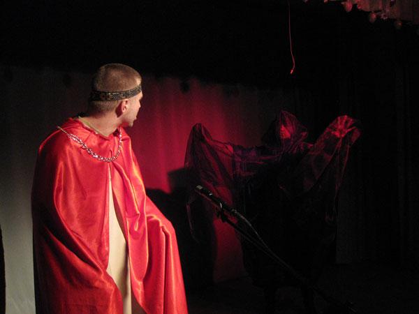 """Смерть царя Ирода. Сцена из спектакля """"С ВОЛХВАМИ ВМЕСТЕ"""""""